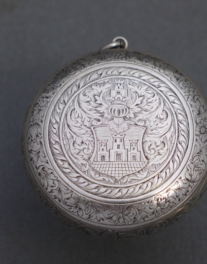 Zilveren horlogekast
