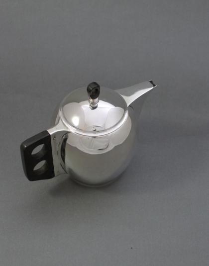 Zilveren theepotje