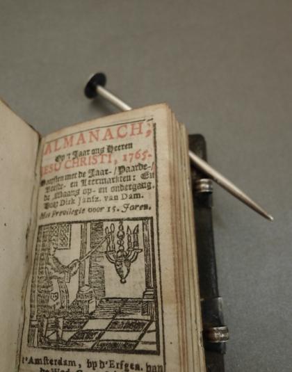 Almanach met zilveren sloten ( verkocht )