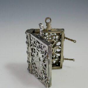 17e eeuw zilver doosje ( Verkocht )