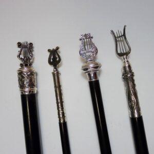 4 dirigeerstokken met zilver beslag